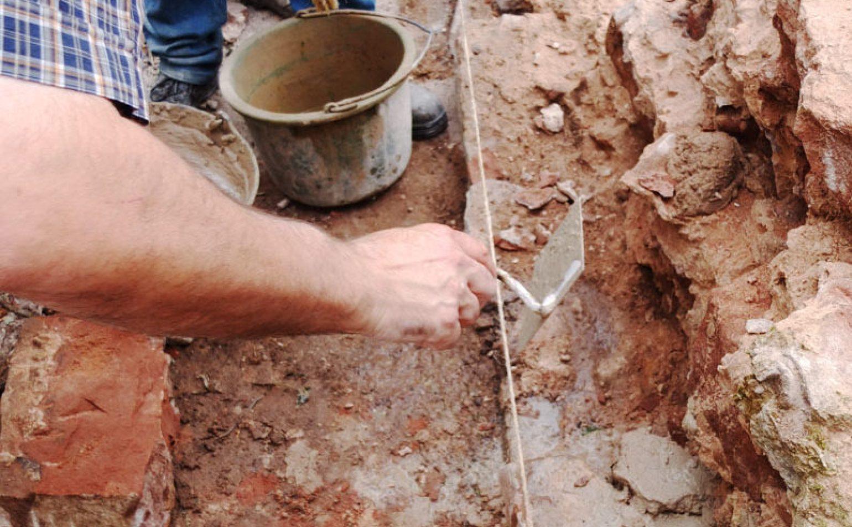 Mettez la main à la pâte : maçonnerie de mur et muret en grès