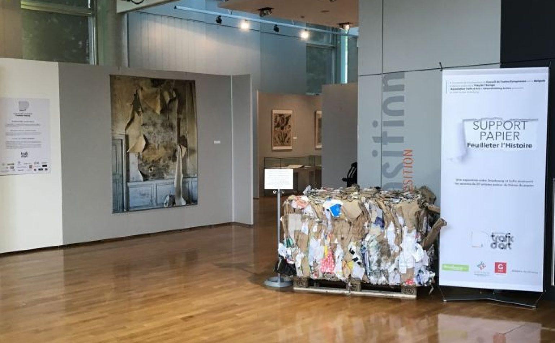 Exposition: support papier, feuilleter l'histoire des archives de Strasbourg